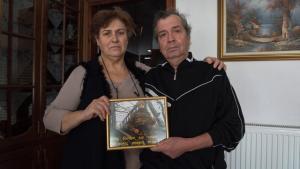 Γονείς λοχία Κούκλατζη στο Spiegel: Προσευχόμαστε για ένα θαύμα