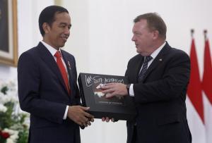 Ο χεβιμεταλάς πρόεδρος της Ινδονησίας «αγόρασε» για λόγους διαφάνειας το δώρο που του έκαναν