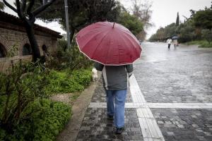 Καιρός: Επιδείνωση και… τρελό σαββατοκύριακο! Βροχές και καταιγίδες