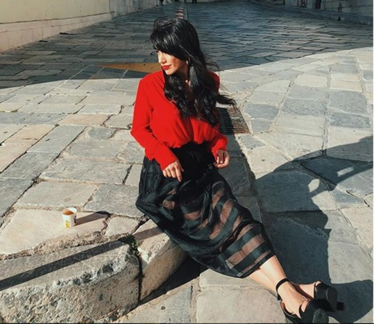 Κόνι Μεταξά: O λόγος που επισκέφτηκε την υπέροχη Σύρο! [pics] | Newsit.gr