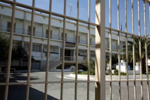 Υπ. Δικαιοσύνης: «Παραπληροφόρηση» τα περί «μαστιγώματος» σωφρονιστικού υπαλλήλου στον Κορυδαλλό – Επίθεση στη Νέα Δημοκρατία