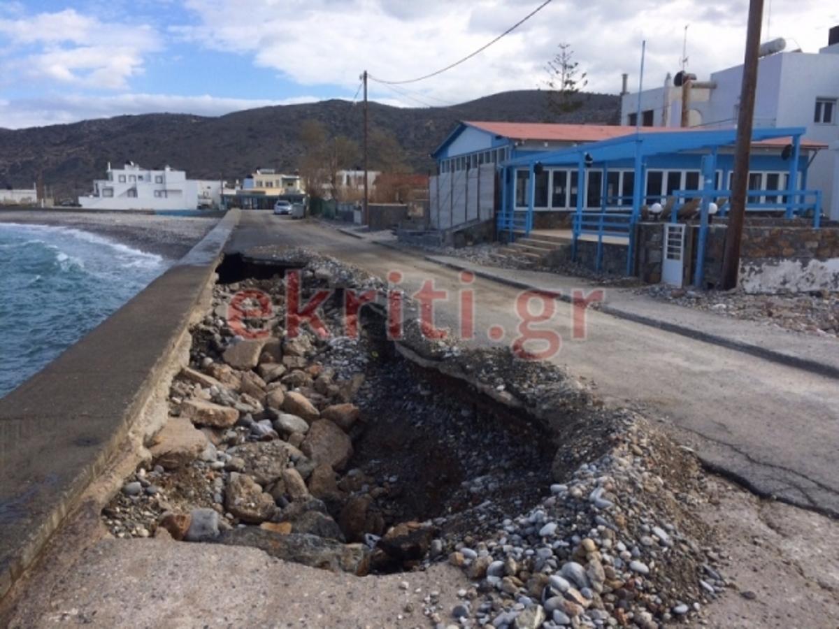 Ελλαδάρα! Δεν φαντάζεστε γιατί δεν κλείνουν αυτή τη λακκούβα στην Κρήτη! | Newsit.gr