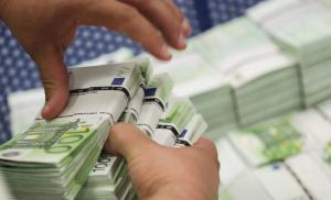 """""""Τρύπα"""" 268 εκατ. ευρώ στα κρατικά ταμεία τον Μάρτιο"""