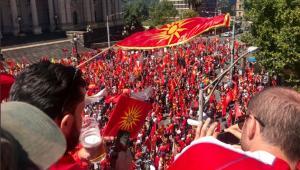 Αυστραλία: Μαζικές διαδηλώσεις Σκοπιανών και υβριστικά συνθήματα για την Ελλάδα! [vids, pics]