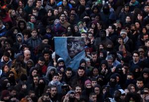Μαδρίτη: Οργή λαού για τον θάνατο Σενεγαλέζου μικροπωλητή! [vids, pics]