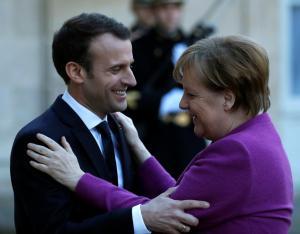 Γαλλία: Ικανοποίηση για τις δηλώσεις Μέρκελ για την Ευρωζώνη – «Πλησιάζει τις θέσεις μας»