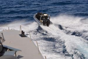Κρήτη: 1,3 οι τόνοι του χασίς στο πλοίο από τη Συρία – Εικόνες από την επιχείρηση