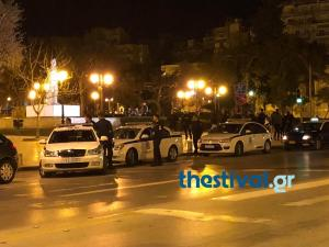 """Θεσσαλονίκη: Έφοδος οπαδών του ΠΑΟΚ στα γραφεία του ΣΥΡΙΖΑ – Εισβολή και στο αεροδρόμιο """"Μακεδονία"""" [pics]"""
