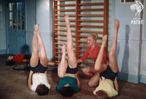 Το πρόγραμμα γυμναστικής που ακολουθούσαν τα μοντέλα τη δεκαετία του '50