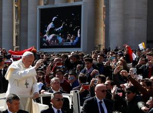 Πάπας Φραγκίσκος σε Αστυνομία: Σας ευχαριστώ που μας προστατεύετε από τρελούς τρομοκράτες