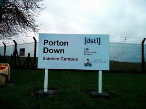 """Πόρτον Ντάουν: Η βρετανική βάση – """"μυστήριο"""" που χρησιμοποιεί στρατιώτες ως πειραματόζωα"""