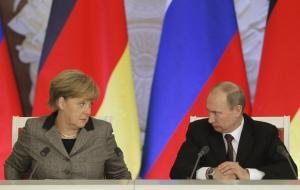 Μέρκελ κερνά και Πούτιν… πίνει μπύρες