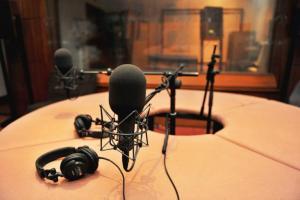 Μια ημέρα γεμάτη ποίηση η 21η Μαρτίου στη δημόσια ραδιοφωνία