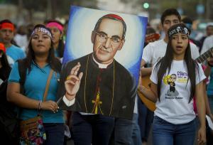 Ο δολοφονημένος αρχιεπίσκοπος του Ελ Σαλβαδόρ θα αγιοποιηθεί