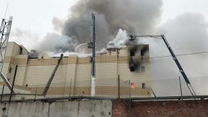 Ανείπωτη τραγωδία από τη φωτιά σε εμπορικό κέντρο στη Ρωσία – Ανεβαίνει ο αριθμός των νεκρών