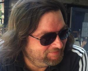 Βόλος: Πέθανε πρόωρα ο Άκης Σαμαρτζής – Θλίψη στον δημοσιογραφικό κόσμο – Η αντίστροφη μέτρηση της ζωής του [pics]
