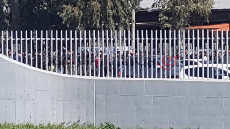 «Βράζει» η Πάτρα! Ταυτόχρονες συγκεντρώσεις για τους μετανάστες – Στο πόδι η ΕΛ.ΑΣ. [vid] | Newsit.gr