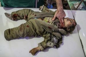 Συρία: Ακόμα 48 άμαχοι νεκροί στην Ανατολική Γούτα – Έφτασε η βοήθεια του ΟΗΕ με… άδεια φορτηγά