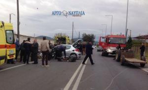 Αργολίδα: Σοβαρό τροχαίο με εγκλωβισμένους – Σύγκρουση αυτοκινήτου με τρακτέρ [pics]