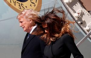 Τραμπ: Άφησε τη Μελάνια και μπήκε στο Air Force One [vids, pics]