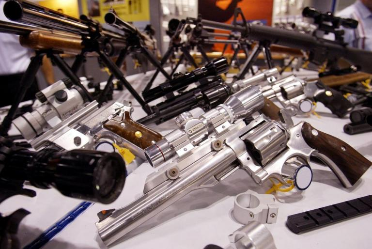 """ΗΠΑ: """"Πέρασε"""" νόμος για την οπλοφορία των καθηγητών   Newsit.gr"""