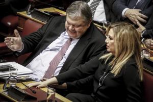 Βενιζέλος εναντίον Γεννηματά για τη συνταγματική αναθεώρηση – Τι απαντούν πηγές του ΠΑΣΟΚ