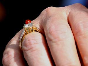 Λέσβος: Τους σκότωσε και έκαψε τα πτώματά τους – Το δαχτυλίδι στο χέρι του θύματος ξεσκεπάζει αλήθειες!