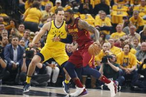 NBA: Ο Μπογκντάνοβιτς «πάτησε» τον Λεμπρόν Τζέιμς! Μεγάλη ανατροπή για Πέισερς [vid]