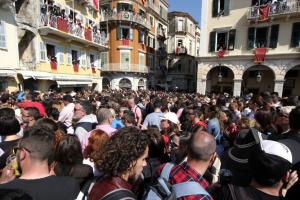 Κέρκυρα: «Βουλιάζει» από τουρίστες για το Πάσχα – Αύξηση 10% σε σχέση με πέρυσι!