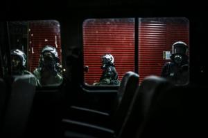 Θεσσαλονίκη: Λεωφορείο της αστυνομίας έμεινε στην εθνική οδό – Διπλή περιπέτεια για άντρες των ΜΑΤ!