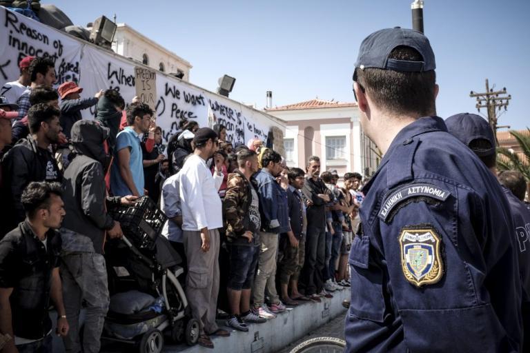 Λέσβος: Μηνυτήρια αναφορά για την κατάληψη της πλατείας Σαπφούς κατέθεσε ο αντιδήμαρχος Καλλονής