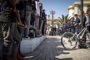 Δήμαρχος Λέσβου: «Είμαστε σε καθεστώς ομηρίας» – Ζητά βοήθεια από την κυβέρνηση