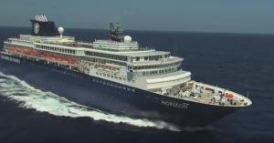 Χανιά: Το πλωτό παλάτι που έδεσε στη Σούδα – «Μπείτε» στο κρουαζιερόπλοιο που έφερε 1.028 τουρίστες!