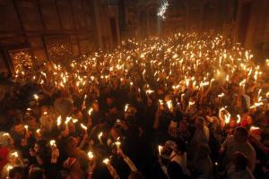 Άγιο Φως: Live η τελετή στα Ιεροσόλυμα