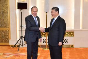 Λαβρόφ και Ουάνγκ Γι συζήτησαν την επίσκεψη Πούτιν στην Κίνα