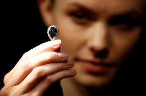 Μπλε Φαρνέζε: Σε δημοπρασία το «διαμάντι των βασιλιάδων» [pics]