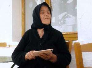 Κρήτη: Η εκπληκτική γιαγιά παντρεύτηκε στα 80 – Η επική φάρσα των παιδιών για την πρώτη νύχτα του γάμου [vid]