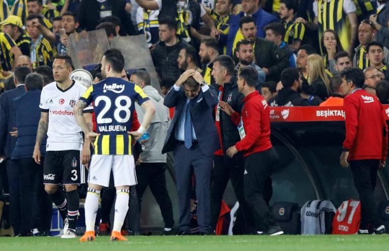 Συνελήφθη ο οπαδός που πέτυχε στο κεφάλι τον προπονητή της Μπεσίκτας   Newsit.gr