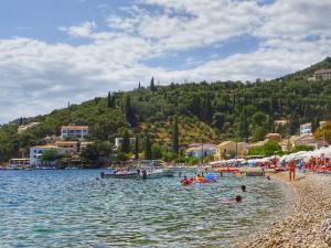 «Ύμνοι» από το Forbes: «Καυτός» καλοκαιρινός προορισμός η Ελλάδα