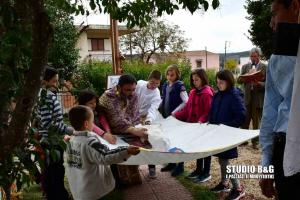 Ναύπλιο: Μικρά παιδιά έκαναν την Αποκαθήλωση [pics, vid]