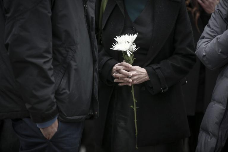 Ασύλληπτη τραγωδία στο Αγρίνιο – Κόρη, μητέρα και πατέρας πέθαναν μέσα σε λίγες μέρες | Newsit.gr
