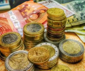 """Ελλάδα η χώρα του """"μαύρου χρήματος"""" – Αποκαλύφθηκαν 10 δισ. ευρώ"""
