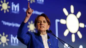 """Τουρκικές εκλογές: Κίνηση ματ! Παραιτούνται βουλευτές του CHP για να ενισχύσουν το """"Καλό Κόμμα"""" της Ακσενέρ"""
