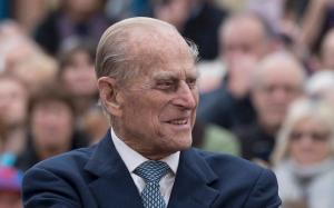 Αναρρώνει ο πρίγκιπας Φίλιππος μετά την χειρουργική επέμβαση – Η ανακοίνωση του Παλατιού
