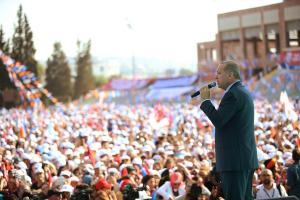 Ακραία πρόκληση Ερντογάν από τη Σμύρνη: Οι Έλληνες την έκαψαν, την ώρα που υποχωρούσαν