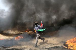 «Κόλαση» και πάλι η Γάζα! Φωτιές, καπνοί και ένας 25χρονος νεκρός [pics]