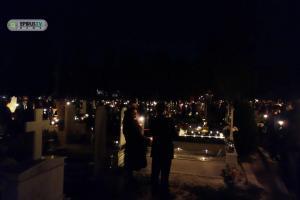 Ιωάννινα: Η περιφορά του Επιταφίου μέσα στο νεκροταφείο [vid]