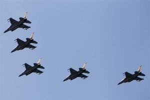 Το Ιράν απειλεί με αντίποινα το Ισραήλ για την επίθεση στη βάση της Συρίας
