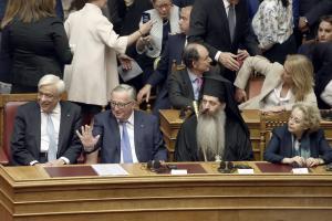 Παρέμβαση Γιούνκερ στη Βουλή: Να απελευθερωθούν άμεσα οι δυο Έλληνες στρατιωτικοί – Μίλησε και ελληνικά