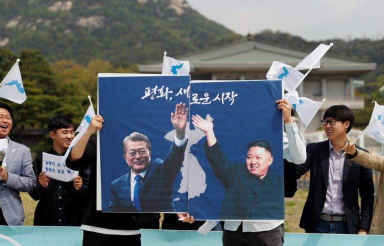 Γράφουν ιστορία: Ο Κιμ Γιονγκ Ουν θα «πατήσει» Νότια Κορέα